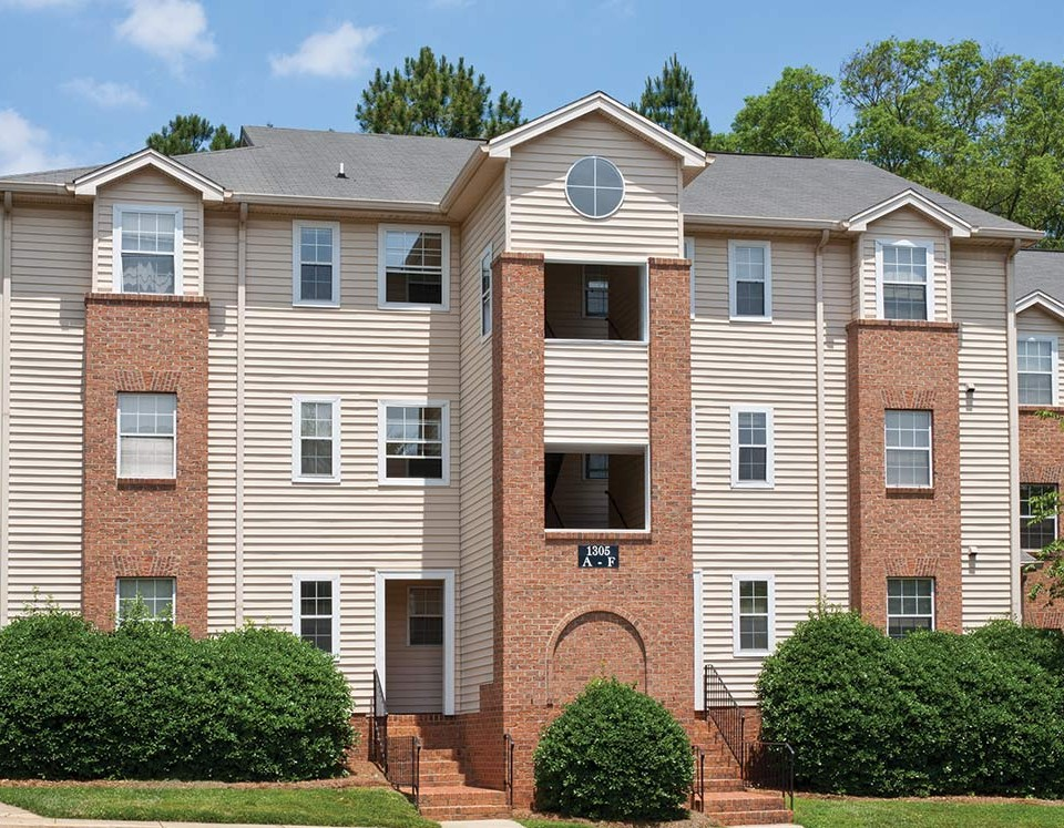 Salem Village Apartments in Charlotte  NC. Marsh Properties   Apartments for rent in Charlotte  NC