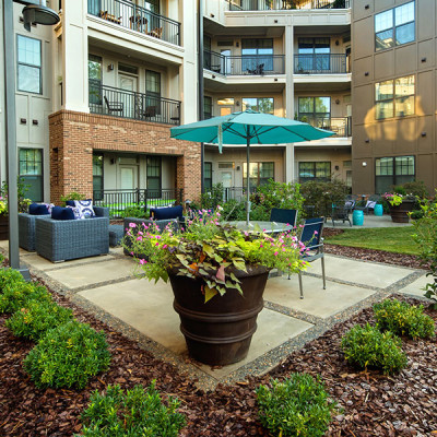 Patio area at the Lexington Dilworth apartments